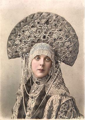 Кокошник княгини Орловой-Давыдовой на костюмированном балу 1903 г.