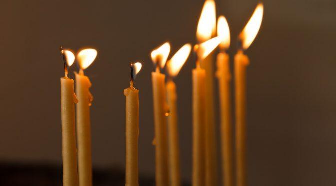 Как обращаться со свечами в церкви