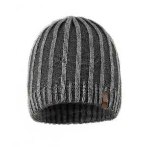 czapka-mlodziezowa-meska-szaro-szara