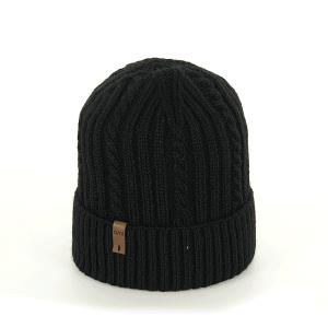 czapka-meska-czarna-warkoczyk