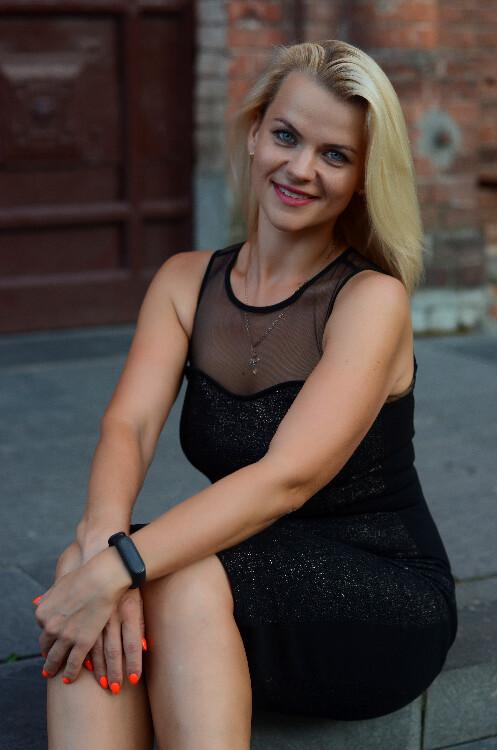Elena rose brides czech republic