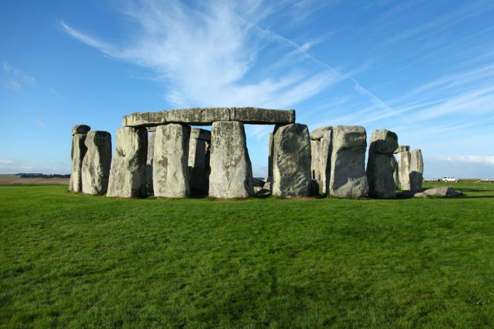 zdroj: http://www.oxfordscientificfilms.tv/portfolio-item/secrets-of-the-stonehenge-skeletons/#!prettyPhoto