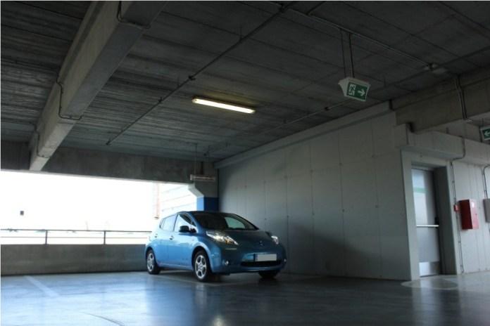 Nissan_Leaf_12