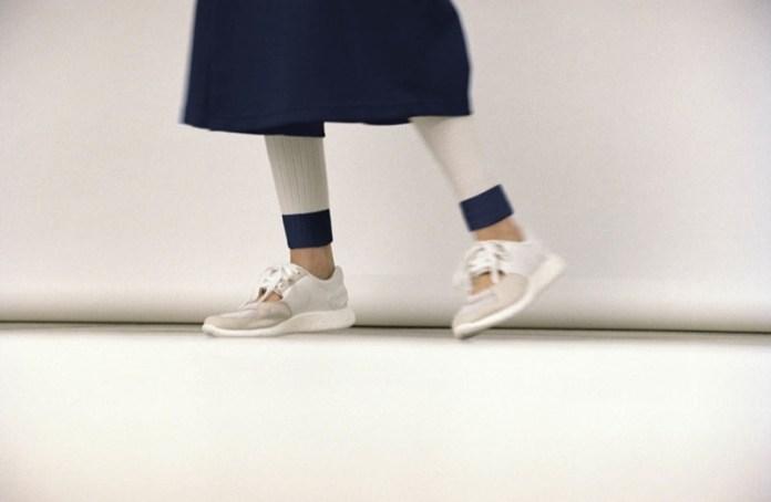 Značka adidas pro kolekci jaro léto 2016 opět navázala spolupráci s úspěšným japonským návrhářským duem. Hideaki Yoshihara a Yukiko Ode přidali do streetové módy adidas Originals svůj neotřelý minimalistický design a výsledkem je nová kolekce adidas Originals by HYKE 01