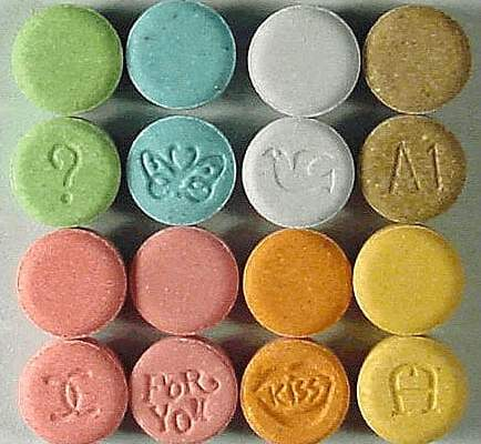 MP proposes legalization of LSD, MDMA, psychedelic mushrooms - Czech Points