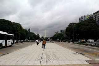 "9 de Julio Av (The ""Widest"" Avenue in the World)"