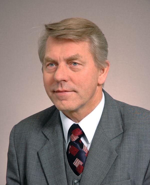 ww_Czesław_Ryszka_Kancelaria_Senatu_2005