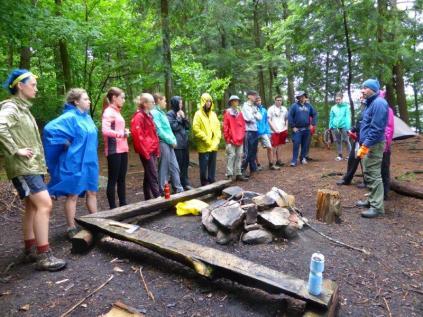 2014.09 Obóz Klasztor6 - Przygotowanie na wymarsz w deszczu
