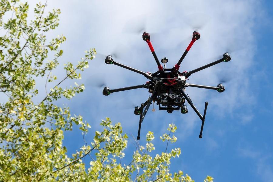 Filmowanie z drona a przepisy