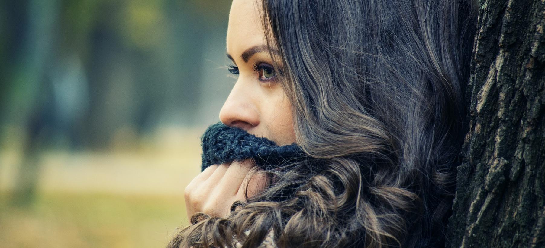 nieprzyjemny zapach z ust może być spowodowany różnymi chorobami