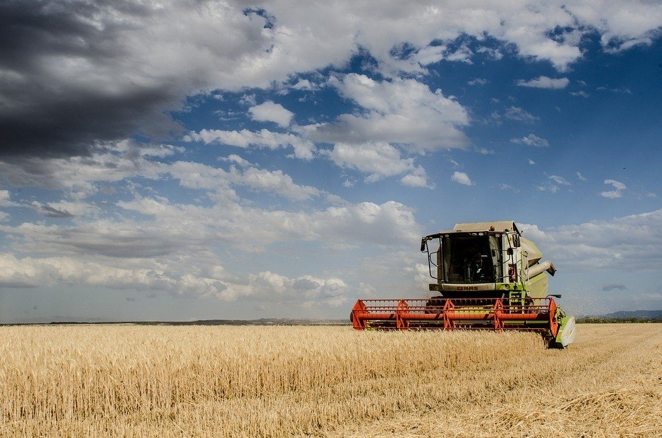 How much does it cost to rent a combine harvester? Prices ...