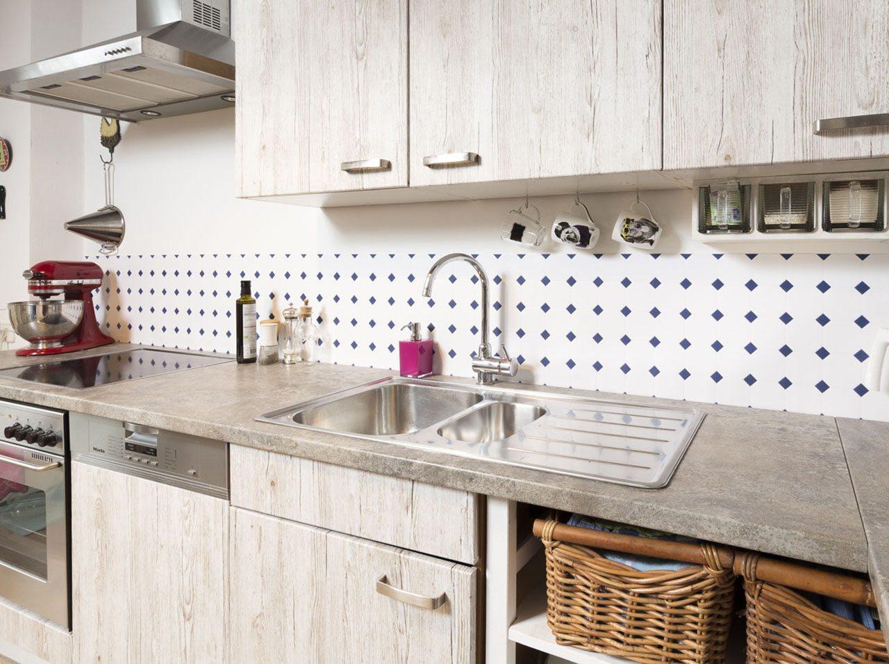 k che fliesen renovieren kuche renovieren ideen k chen renovieren idee fliesen bilder 19. Black Bedroom Furniture Sets. Home Design Ideas