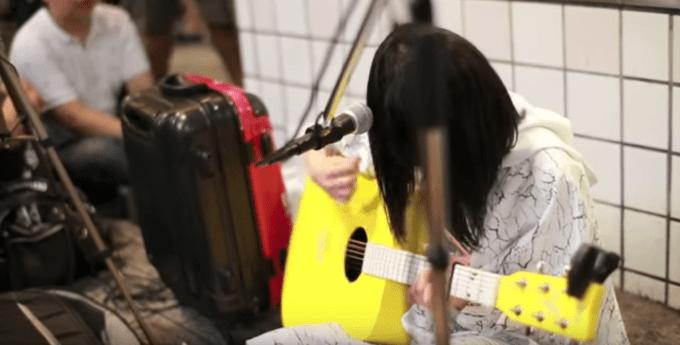 酸欠少女さユりの黄色いギター