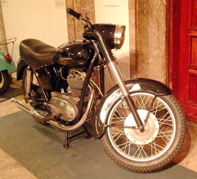 "Motocykl ""Junak"""