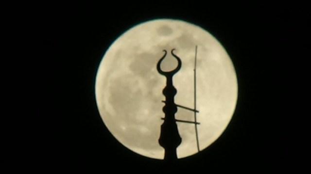 Bursa'da 'Süper Kanlı Mavi Ay' Böyle Görüntülendi