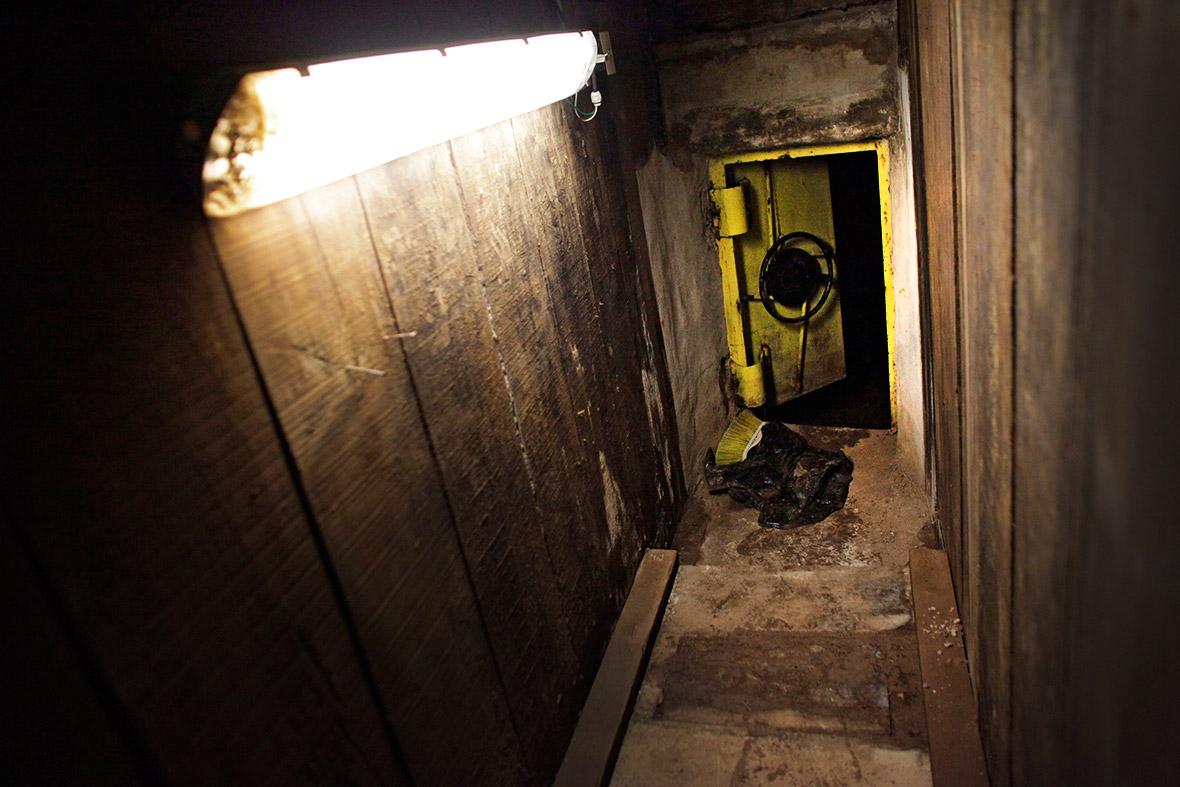 Secret Tunnel Escape Network of Mexican Drug Boss Joaquin Chapo Guzman Revelaed
