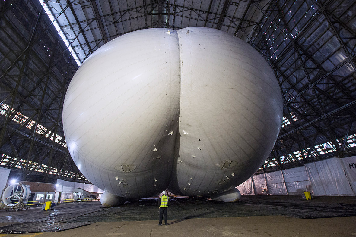 The airship has a volume of 1,340,000 cubic feet (38,000 cubic metres)