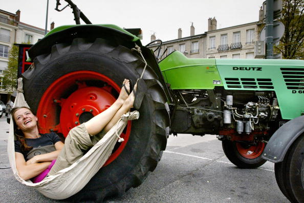 Dutch Woman Heads for South Pole on Tractor