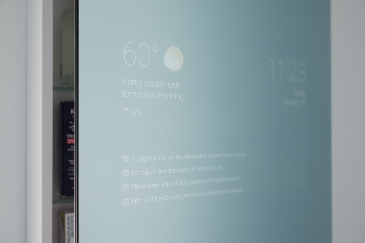 Smart bathroom mirror runs Android to bring you news and