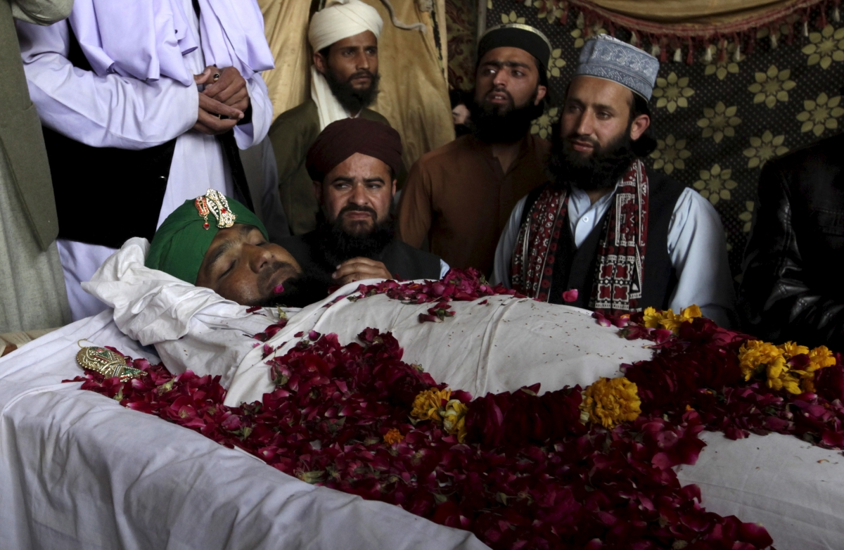 Mumtaz Qadri Thousands riot in Islamabad over policemans execution