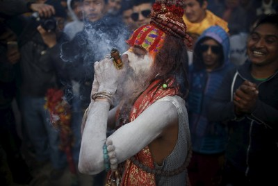 Shiva Smoking Chillum Hd Wallpaper Maha Shivaratri Devotees Celebrate The God Shiva In One