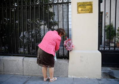 Nice Attack Mourners World Pay Respects
