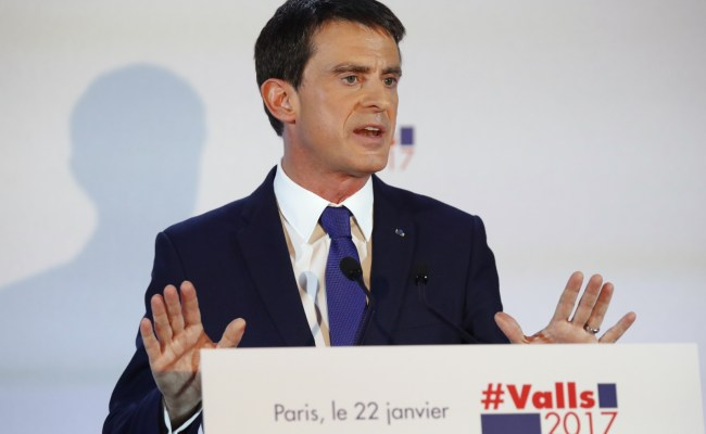 France S Former Pm Manuel Valls Backs Emmanuel Macron Over