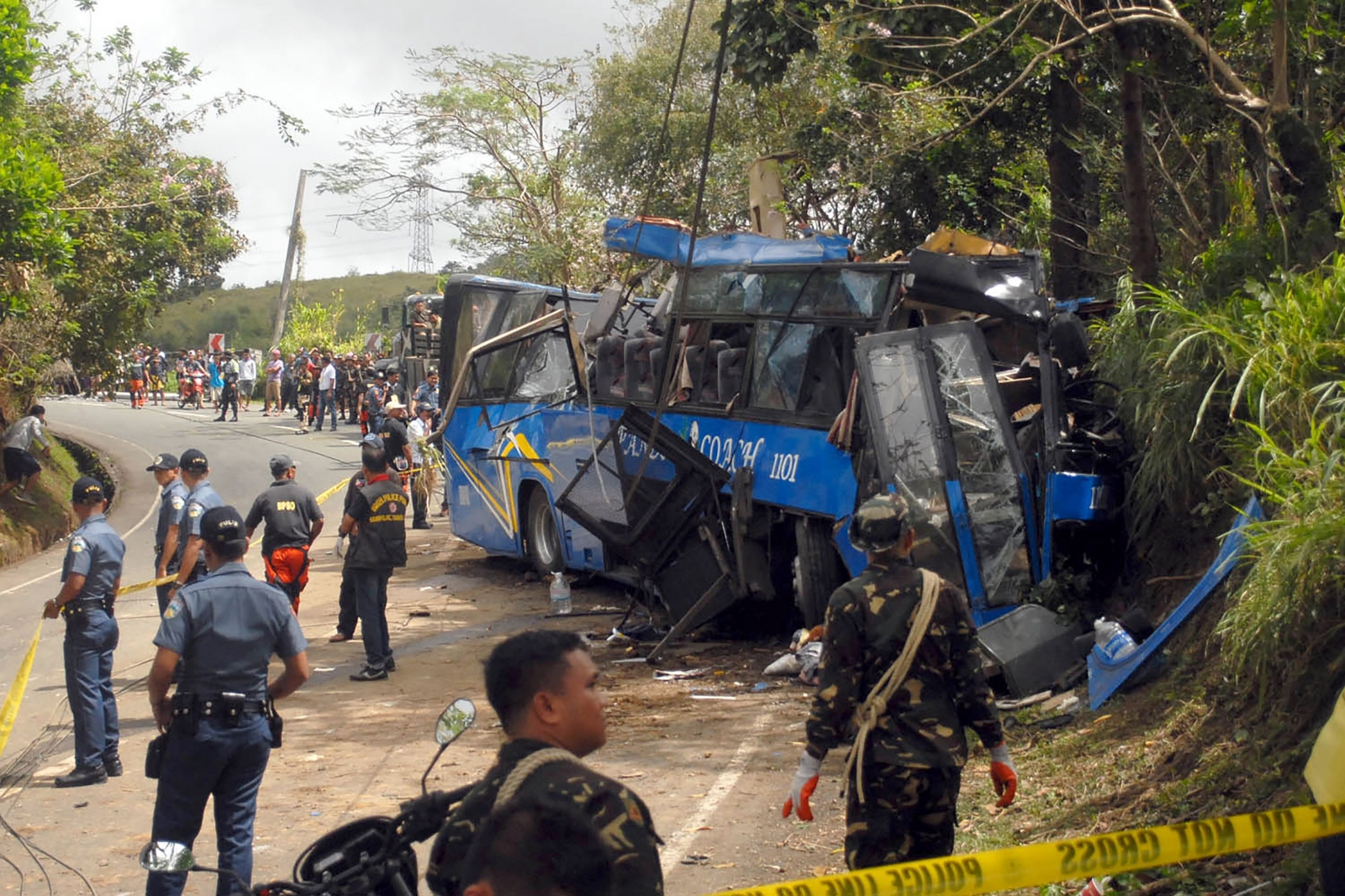 Philippines 14 college students and bus driver killed in