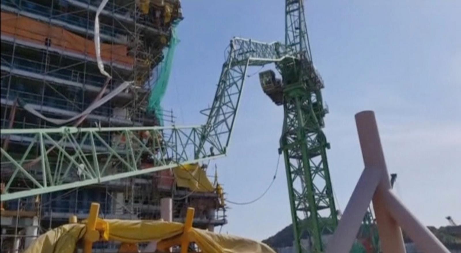 Crane Collapse At Samsung Shipyard In South Korea Kills At