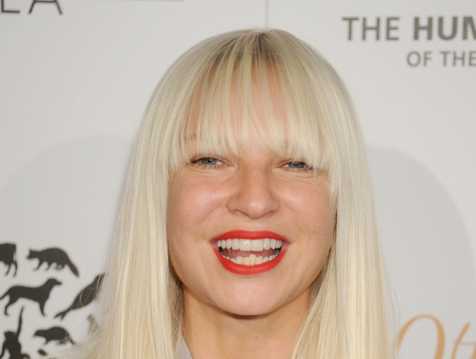 Pop star Sia exposes bit too much skin as she suffers wardrobe malfunction in Instagram photo