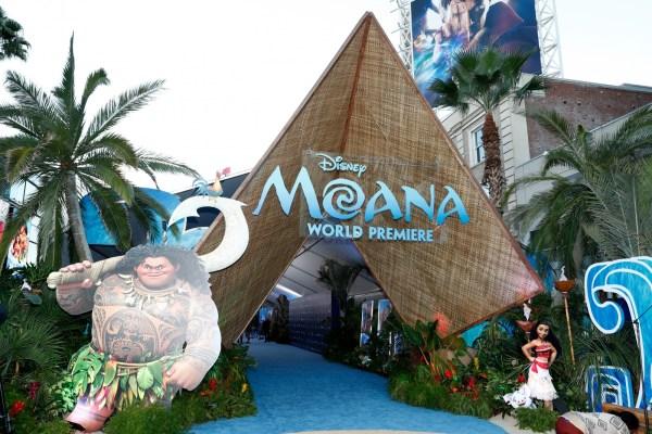 Watch Little Girls Gaga Over Costco Worker Maui Disney' Moana