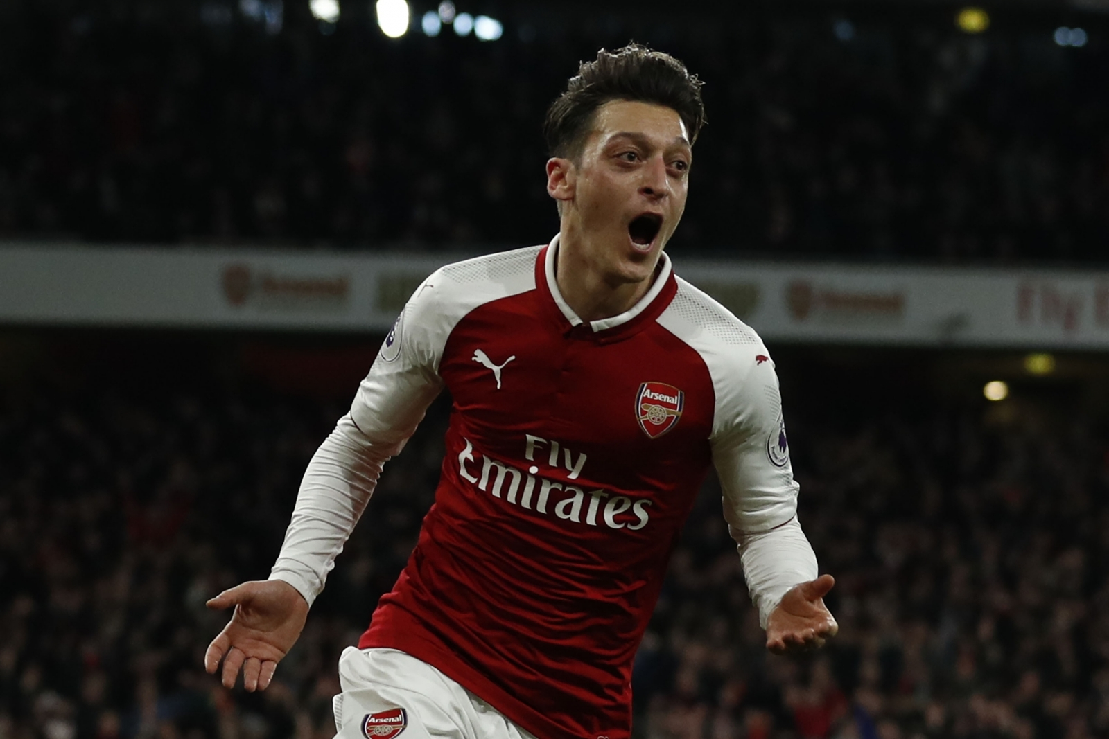 Mesut Ozil Wallpapers Hd Arsenal Mesut Ozil Signs New Three And A Half Year Deal At Arsenal