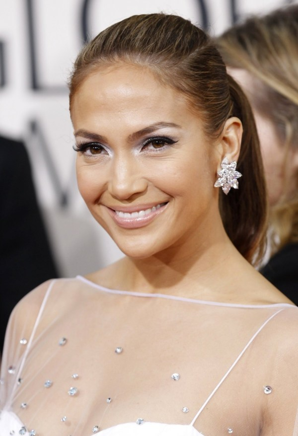 """Jennifer Lopez Launches Fragrance - 'glowing"""" With Sexy Ad"""