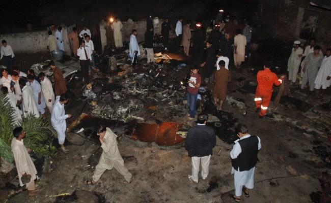First Images Of Pakistan S Plane Crash No Survivors Photos