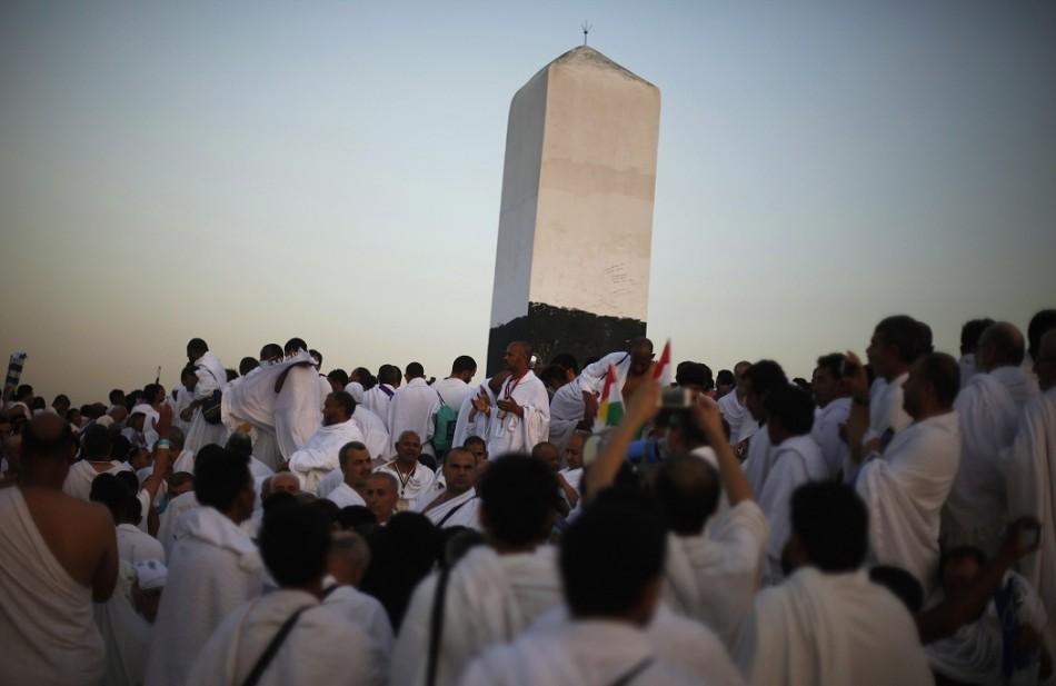 Peace Black Wallpaper Hajj 2013 Grand Mufti Condemns Terrorism As Millions Head