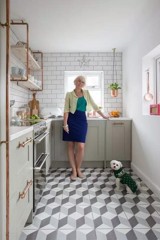 kitchen facelift copper utensil holder pinterest室内设计大奖公布 看家装设计新趋势 许多新兴装修公司的主要业务 就是将老旧的厨房整容成标准的宜家式简约厨房 同时升级其他配件为更漂亮 耐用 个性的产品