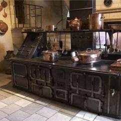 Kitchen Back Splash Costco Faucets 厨房对家居幸福度的影响 仅次于睡眠质量 说到好设计对于人们的影响就不得不提起世界上第一款现代厨房 法兰克福厨房 在这款厨房诞生之前 欧洲女性每天都都需要花费大量的时间困在厨房备菜烹饪