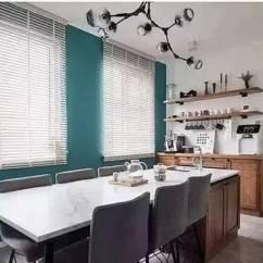 Kitchen Aid Wall Oven Flatware 150 大改造成复式房 一家三口一猫一狗 网友 家里有矿 改造后的餐厨区域是全屋采光最好的地方 马尔斯绿的墙面 两面大百叶窗 一个超级大中岛 这个餐厅美貌得不像话