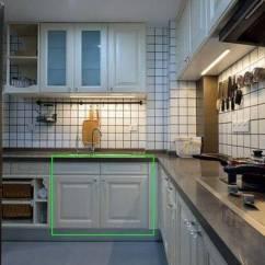 Sink Kitchen Cabinets Stand Alone Best Deals 厨柜水槽下方的柜门80 的人都装错 这才是正确做法 漂亮又实用 说到橱柜大多数人都关注用什么材料 水槽怎么安装啊 安装单双水槽这类的 有个关键的部分很多人都不知道或者被忽略了 这就是水槽下方的柜门 很多人家的柜门都是下边
