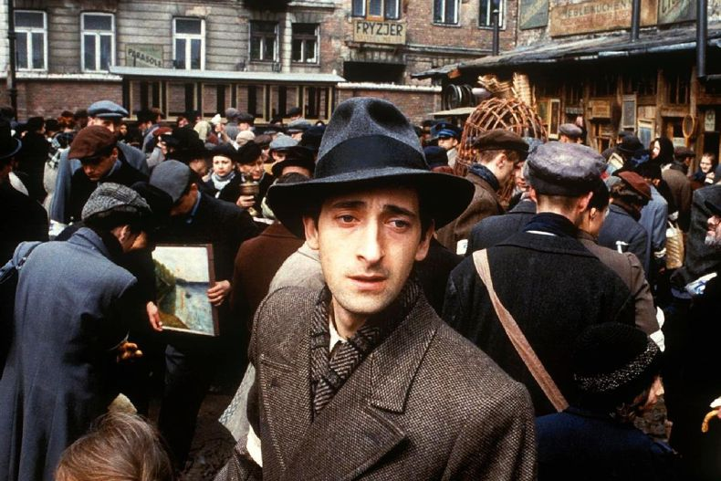 32 The Pianist