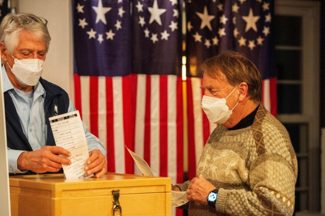 Les Otten Vote Election 2020 Biden