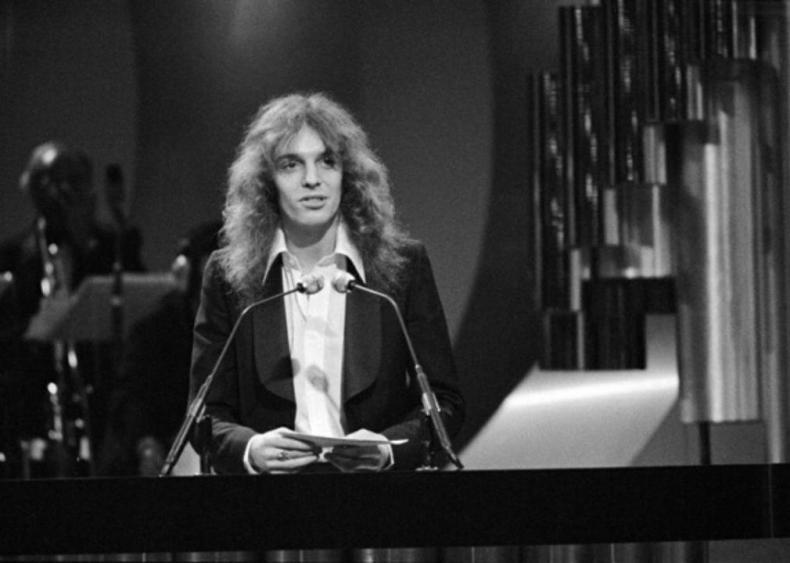 1977: A global night