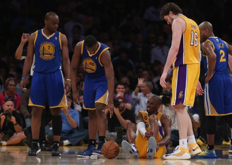 2013: Bryant tears Achilles tendon