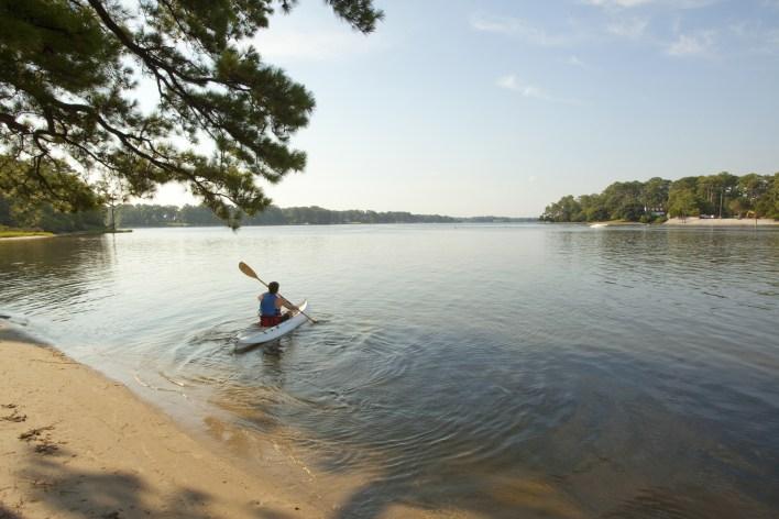 Kayaker found human remains in lake