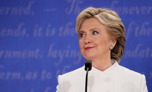 hillary clinton's campaign hair and makeup took 600 hours
