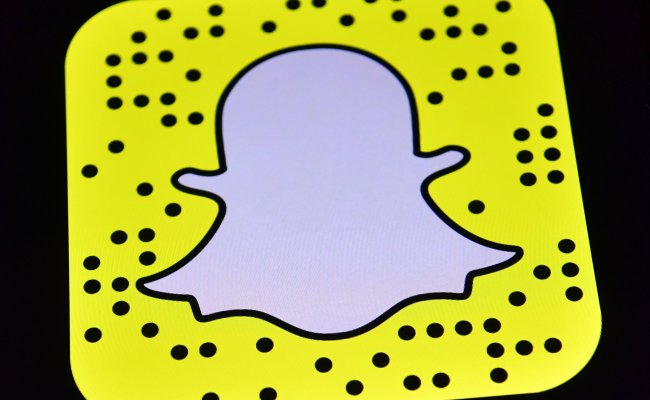 Snapchat Emoji Icon Meanings Yellow And Red Hearts