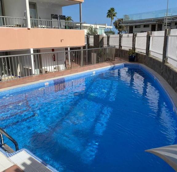 Con nuestros viajes baratos a maspalomas no solo podrás relajarte en. Apartamentos Oasis Maspalomas en Maspalomas | Destinia