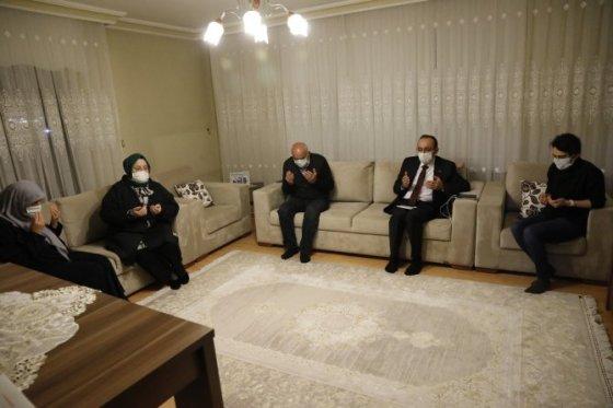 Ο υπουργός Selçuk ήταν ο προσκεκλημένος του σπιτιού του Βετεράνου της Κύπρου, γνωστού ως