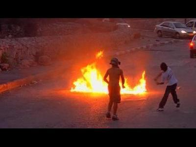 Israel warns young stone throwers