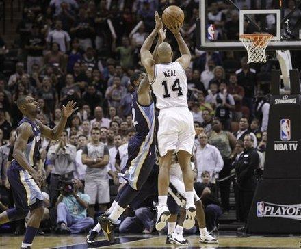 San Antonio Spurs' Gary Neal (14) Shoots